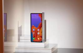 Huawei ពន្យារពេលដាក់លក់ស្មាតហ្វូនអេក្រង់បត់ Mate X នៅខែកញ្ញាវិញ